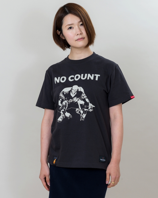 PATCHES T-SHIRT DARK SOULS x TORCH TORCH