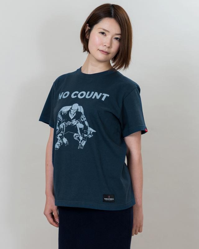 鉄板のパッチのTシャツ ダークソウル×TORCH TORCH(トーチトーチ)