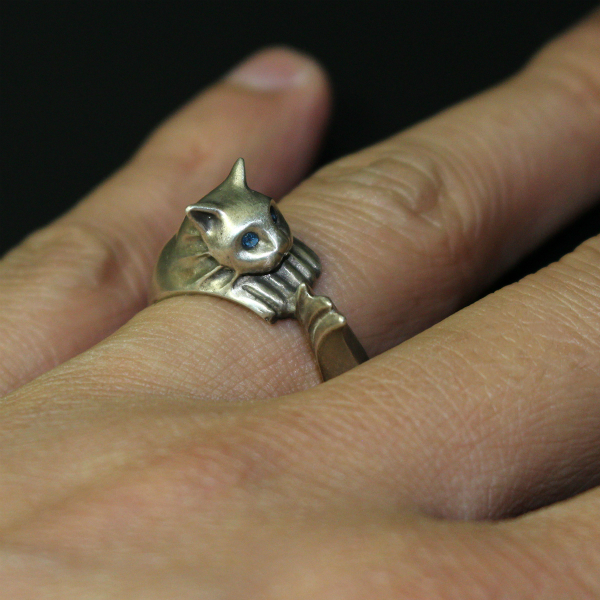 RINGS COLLECTION: SILVERCAT RING